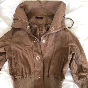 Jackets & Blazers - Brown crop jacket with short sleeves